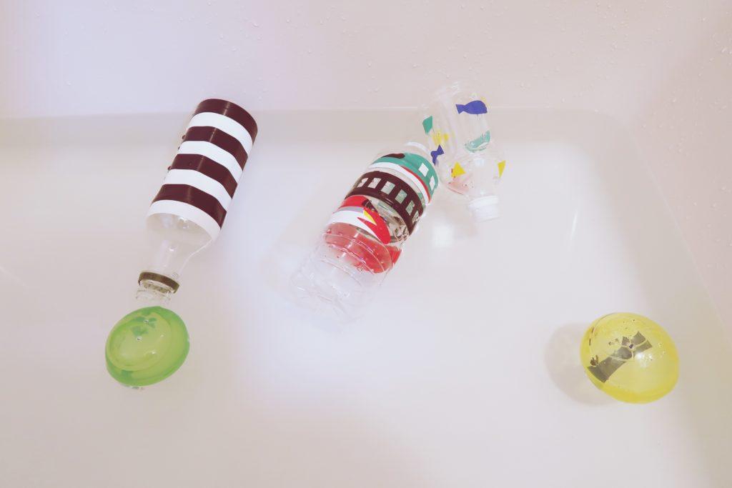 手作りペットボトルシャワーで遊んだよ